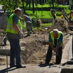 Bau des Fahrradweges im Dorf am 17.08.2016.