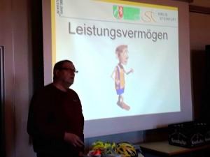 "PHK a.D. Karl Dömer: ""Senioren im Straßenverkehr"""