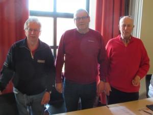 PHK a.D. Karl Dömer (m) mit Chef Heiner Schapmann und Kassenwart Ronald Fischer