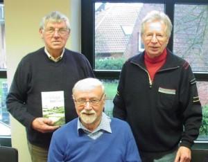 Foto: Theo Heimann mit Chef Heiner Schapmann und Schriftführer Alfons Weitkamp